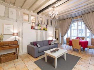 Bourg Vacation Rental in the Marais District - Paris vacation rentals