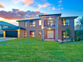 VUE360 - Luxury 7BR Family Mansion -Gold Coast - Pacific Pines vacation rentals