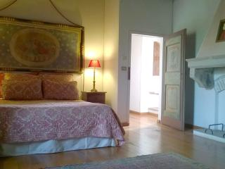 SUITE DUKE FEDERICO antique country hunting lodge - Urbino vacation rentals