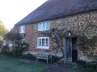 Idyllic Maisonette with Gardens, South Downs Park - Pulborough vacation rentals