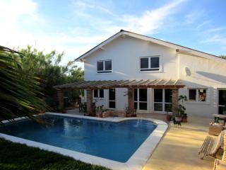 Casa Julechka -Charming house with pool and garden - Cartama vacation rentals