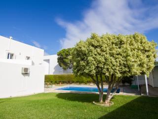 Hendrix Red Villa, Olhos de Água, Algarve - Olhos de Agua vacation rentals