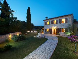 Nice 3 bedroom Vacation Rental in Rebici - Rebici vacation rentals