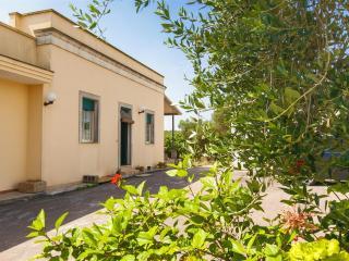 Charming 3 bedroom Condo in Porto Badisco - Porto Badisco vacation rentals