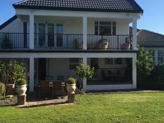 Lovely Condo with Internet Access and Shared Outdoor Pool - Havelock North vacation rentals