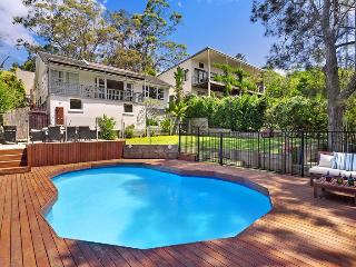 Lovely Studio flat near to the beach and shops - North Narrabeen vacation rentals