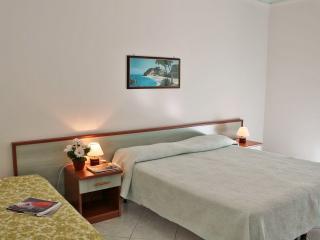 Nice Studio with Internet Access and A/C - Albissola Marina vacation rentals