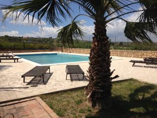 4 bedroom Villa with Mountain Views in Scordia - Scordia vacation rentals