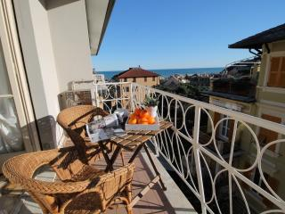 Nice Condo with Television and Parking - Arenzano vacation rentals
