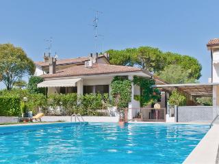 Villa per 10 persone con piscina a 1h da venezia - Duna Verde vacation rentals