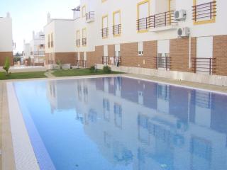 Gita Brown Apartment, Cabanas de Tavira, Algarve - Cabanas de Tavira vacation rentals