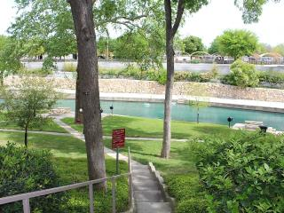 Beautiful Ground Level 2 Bedroom, 2 Bathroom - New Braunfels vacation rentals