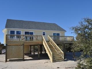 3 Bdrm Cottage on the Canal w/Kayaks and Hot tub - Carova Beach vacation rentals