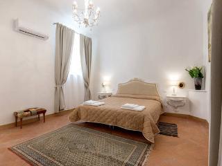 Flospirit Gioconda  appartamento con terrazza - Florence vacation rentals