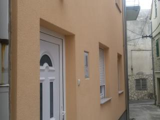 1 bedroom Apartment with A/C in Vodice - Vodice vacation rentals