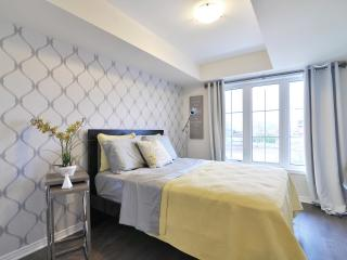 Luxurious 2 Bedroom Oakville Suite - Oakville vacation rentals