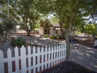 St George Historic Home - 7 bd 6 ba-2:1/2 ba Home-Family reunion & group retreat - Saint George vacation rentals