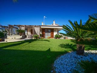 Villa San Flaviano – villa with veranda and garden - Conversano vacation rentals