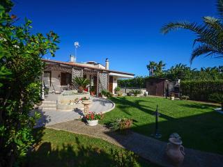 Villa San Flaviano with veranda and minipool - Conversano vacation rentals