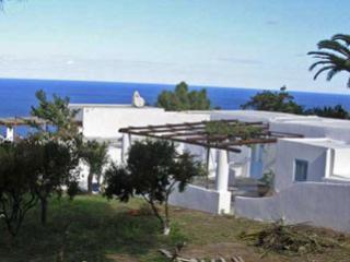 Villa Geko celeste - solo settimanale, only weekly - Malfa vacation rentals