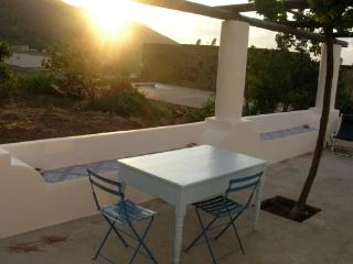 Villa i geki - solo settimanale, only weekly - Malfa vacation rentals