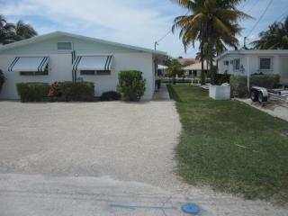 Neat as a Pin with great dockage on Canal - Key Colony Beach vacation rentals