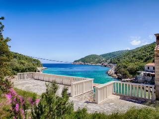 Private beach villa Silente - Vis vacation rentals