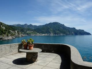 Colorful House with sea view and access to the sea - Ravello vacation rentals