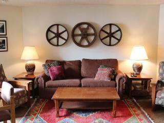 Cozy 2 bedroom Condo in Winter Park with Deck - Winter Park vacation rentals