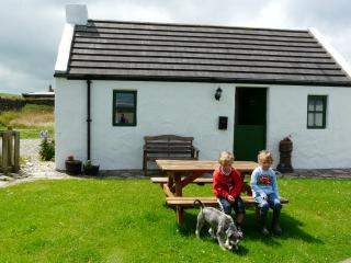 Beautiful Cottage with Television and DVD Player - Ballintoy vacation rentals