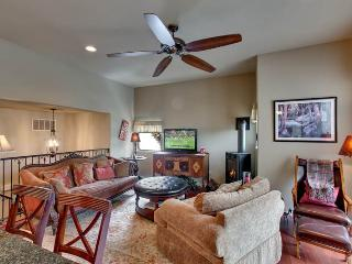 4 bedroom House with Internet Access in Stateline - Stateline vacation rentals