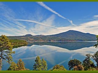 Lake Zirahuen 'El Alto Lucero' (High Bright Star) - Zirahuen vacation rentals