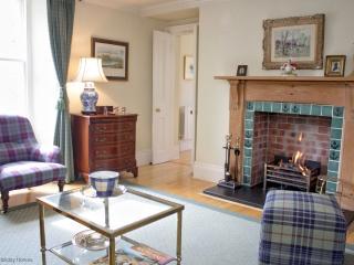 Lovely Cottage in Dornoch with Dishwasher, sleeps 4 - Dornoch vacation rentals