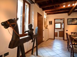 DIMORA CAVALLINO - Verona vacation rentals