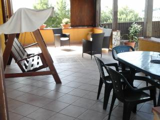 Bright 2 bedroom San Leone Villa with Television - San Leone vacation rentals