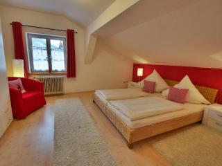 Vacation Apartment in Oberammergau - 538 sqft, individual, elegant (# 2975) - Oberammergau vacation rentals