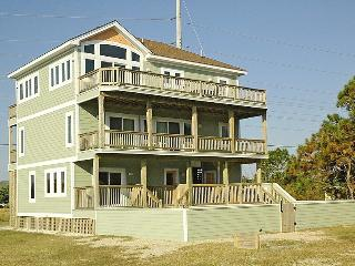 Sound View Sunsets. Ocean Side. Private Pool. - Waves vacation rentals