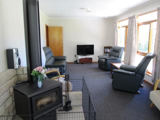 3 bedroom Cottage with Internet Access in Gisborne - Gisborne vacation rentals