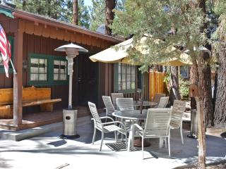 Remodeled cabin with amazing game room & hot tub - Big Bear City vacation rentals