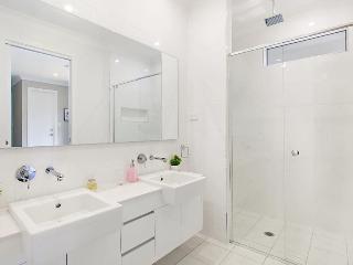 1OAK - Luxury Hunter Valley Home with spa - Pokolbin vacation rentals