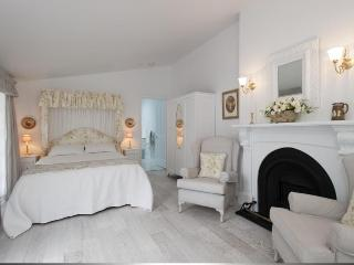 Charming Bed and Breakfast with Internet Access and Wireless Internet - Launceston vacation rentals