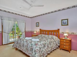 Birds 'n' Bloom - 3 Bedroom Cottage - Yungaburra vacation rentals