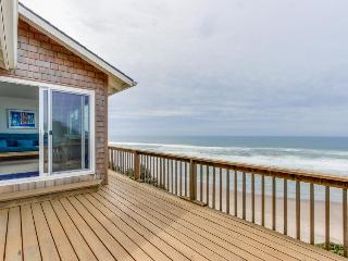 Cozy oceanfront home w/ ocean views, deck, quiet location! - Cloverdale vacation rentals