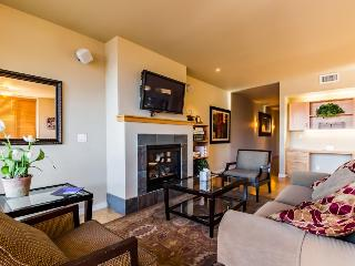 Shared pool, hot tub and other amenities plus a balcony and fireplace! - Chelan vacation rentals
