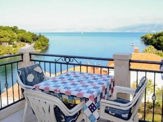 TH01518 Apartments Marinko / Two bedroom A2 - Splitska vacation rentals