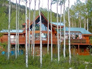 Beautiful mountain retreat...golf, fish, hike - Ranchester vacation rentals