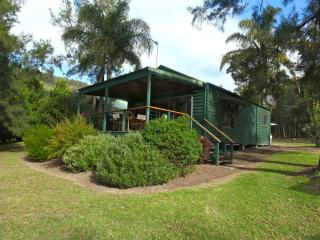 Siver Cabin - Kangaroo Valley vacation rentals