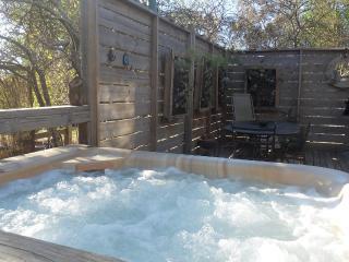 Texada ;private hot tub - Daylesford vacation rentals