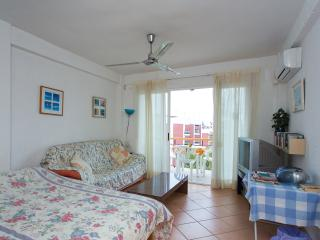 Nice Studio with A/C and Satellite Or Cable TV - Javea vacation rentals