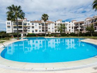 Perfect Condo with Tennis Court and Satellite Or Cable TV - San Pedro de Alcantara vacation rentals